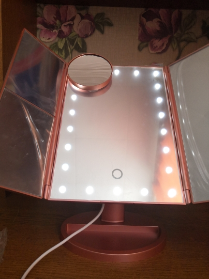 LED Touch Screen Makeup Mirror - 1X to 10X Zoom photo review