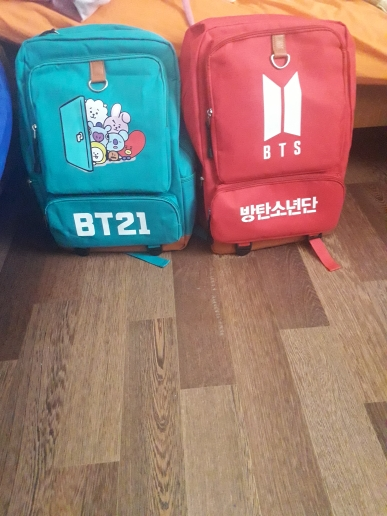 BT21 Cartoon Student Backpack photo review