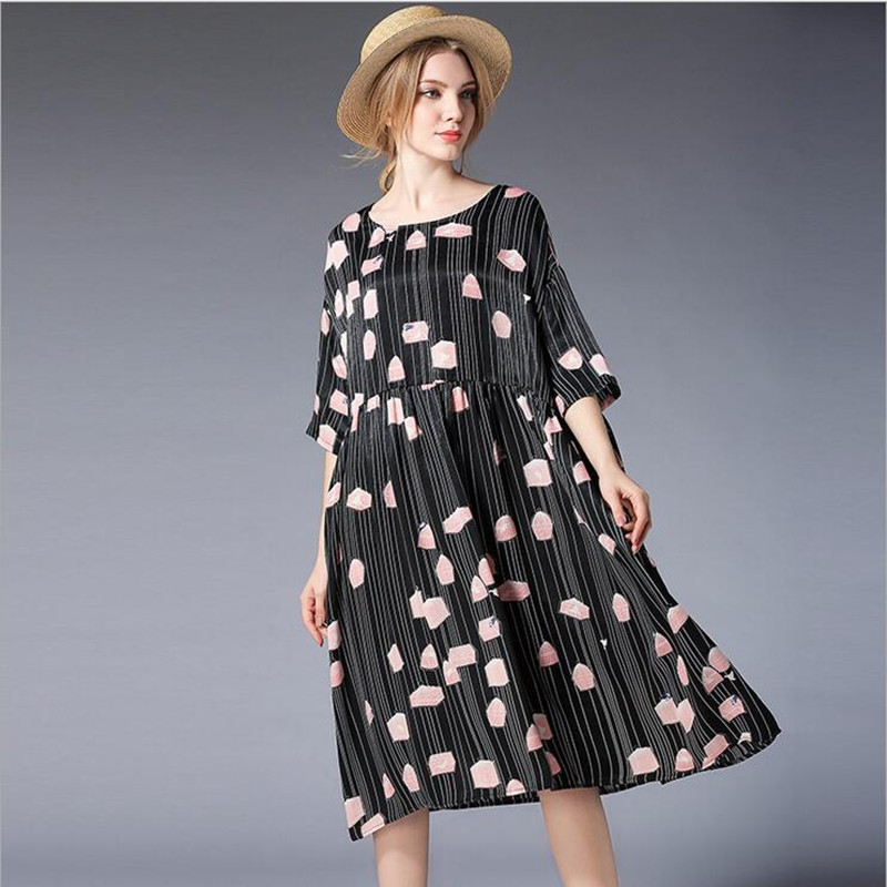 2018 spring and summer new large size women's loose cover Silk satin dress Half Printed large Maternity Dress L-4XL spring and summer 2018 new chinese
