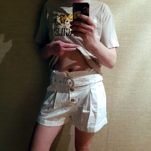 Ruffle High Waist Pockets Women Cotton Shorts Solid White Button Female Shorts Belt Tie Casual Summer Shorts photo review