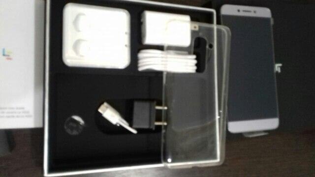 Клетчатый:: сеть: GSM/сеть WCDMA/LTE в; пусть x526; MP3-плеер; Телефон 4G ;