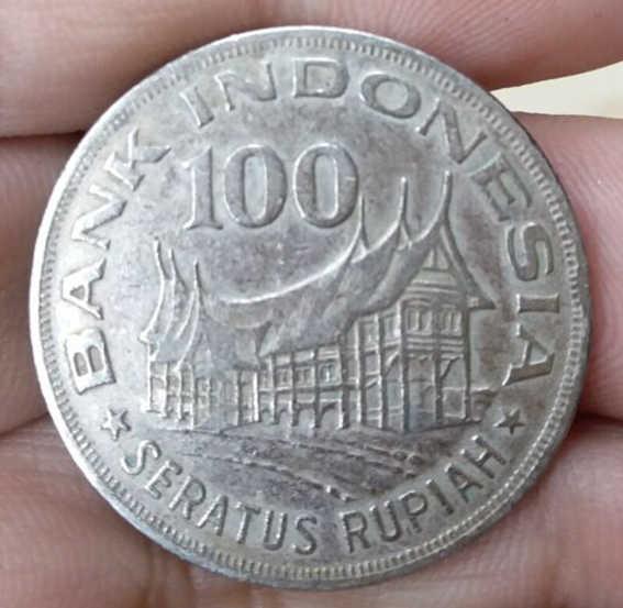 28mm USADO Condição 100 RÚPIAS INDONÉSIA ASIAN COIN 1978