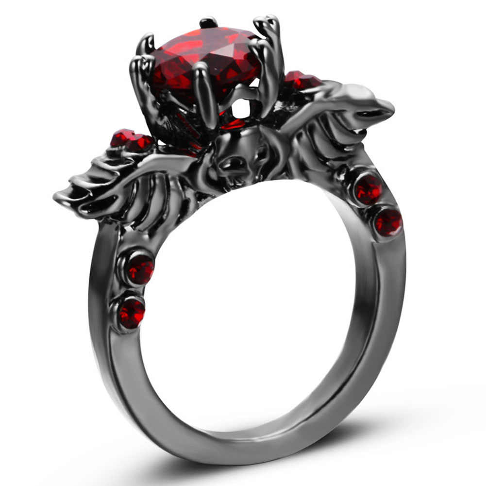 Punk Skull Design Red / purple Round Rings Black Gold Filled Fashion Jewelry Retro Wedding Rings For Party Women Birthday Gifts
