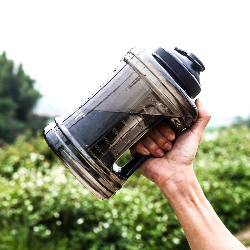 2.5L Grande Capacité Bouteille D'eau de Formation Camping Courir En Plein Air Gym Sports Fitness SANS BPA Poignée Mes Bouteilles D'eau