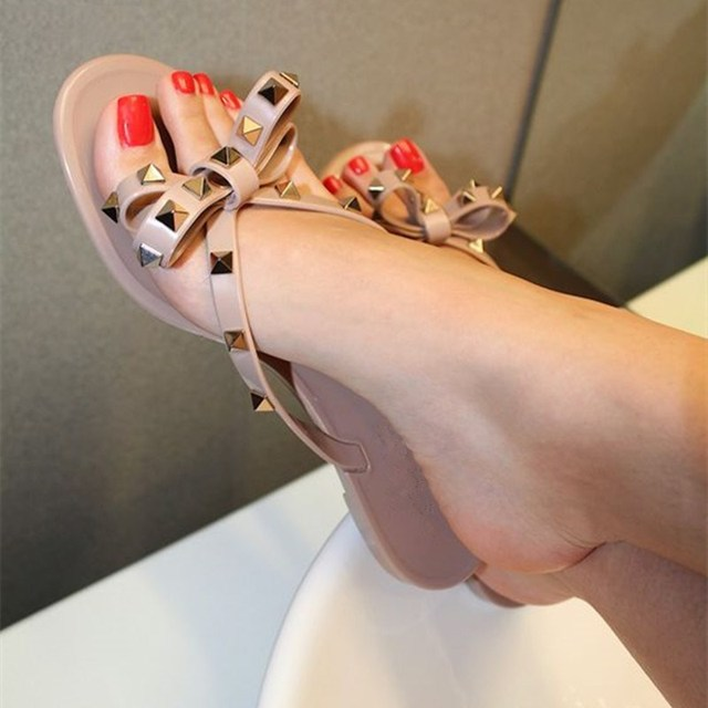 45e178219e8524 Summer Fashion Nude Pink Black Patent Leather Rivets Bowties Flip Flop Cute  Sandals Women Beach Shoes Luxury Designers Slides
