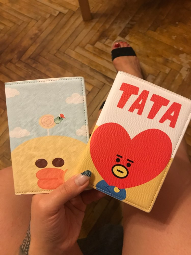 2019 Fashion Exclusive Travel Passport Case Card Packge Cartoon Unisex Access card bank card Communication card protection bag photo review