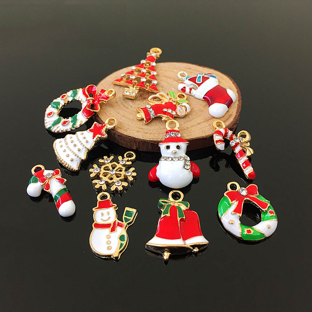2018 3pcs/pack Enamel Christmas Series Candy Cane Reindeer chaplet Stockings Bell Charm Pendant DIY Christmas drop Ornaments