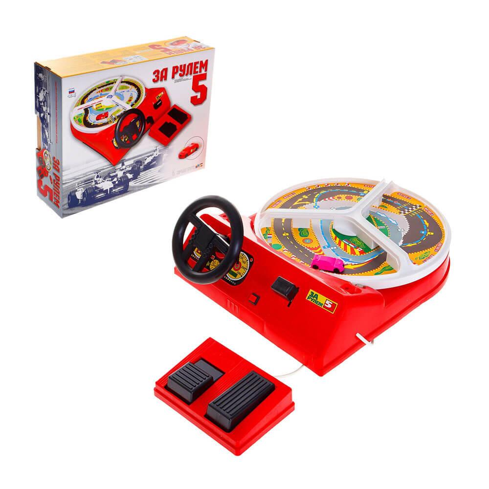 Portatile di gioco alla guida di un auto giocattolo educativo per i bambini di studio come drive gioco da tavolo