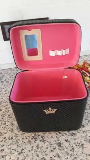 Women noble Crown big Capacity Professional Makeup Case Organizer High Quality Cosmetic Bag Portable Brush Storage box Suitcase photo review