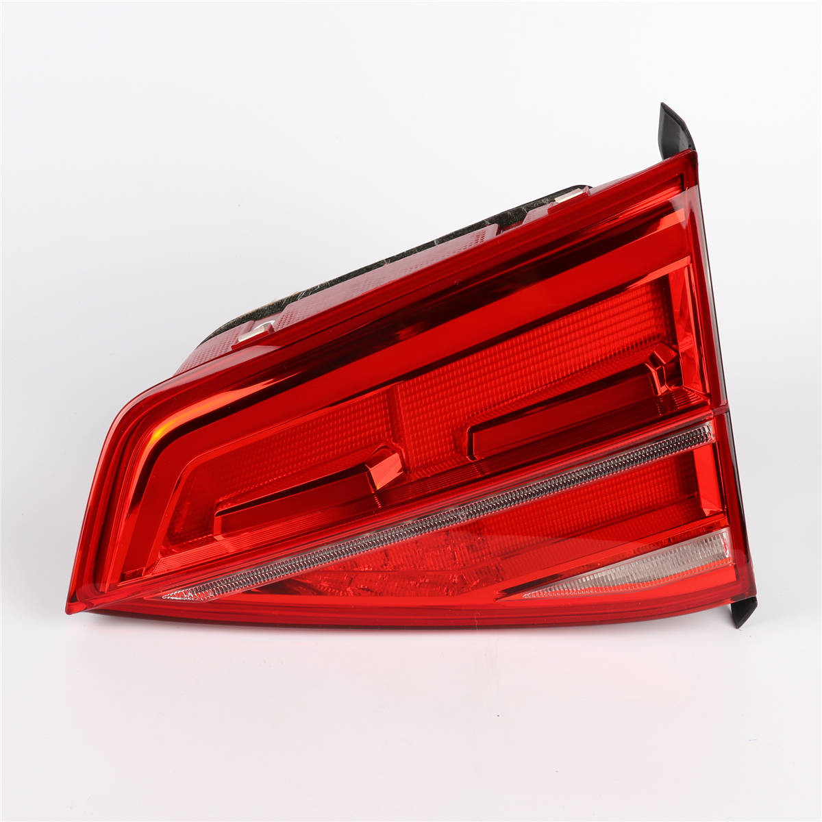 OEM 1Pcs Right Side Red Color LED Light Tail Lights Rear Lamp Housing For VW Volkswagen Jetta GLI MK6 2015-2019 16D 945 308 1pcs 6ru 945 096 rh tail light taillamp rear light assembly right side for volkswagen polo sedan vento 2010 2014