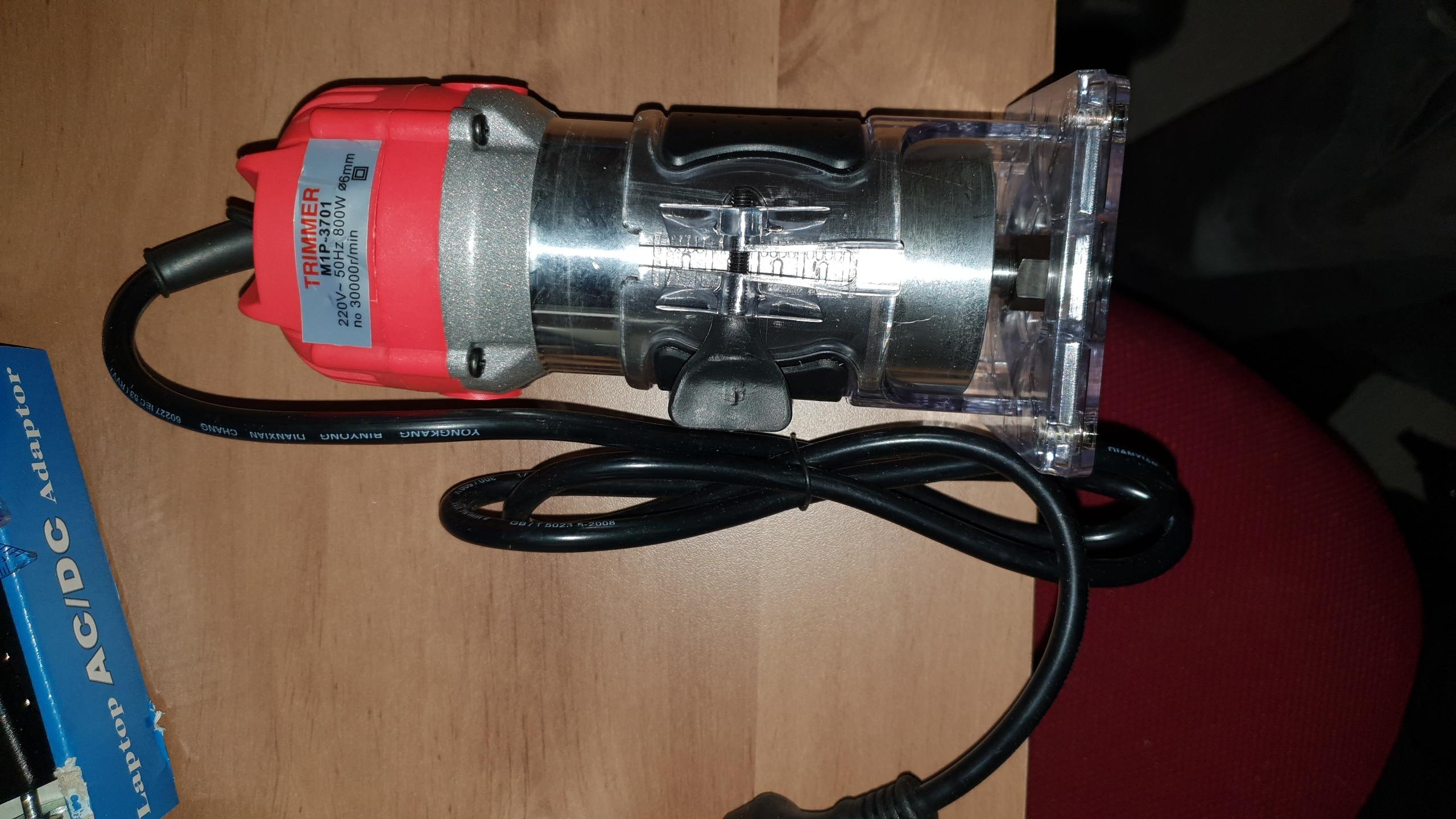 линейных перемещений; Номинальная потребляемая мощность:: 650 (Вт); линейных перемещений; адаптер конвертера штепсельной вилки стены;
