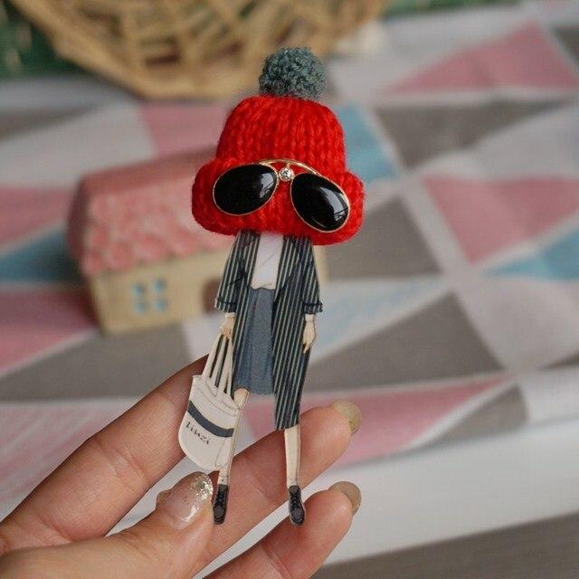 Donna Carino badge Spilla Spille Moda per le donne rosso cappello di lana distintivo Spilli zaino Gioielli Spilla regali di Goccia-Trasporto