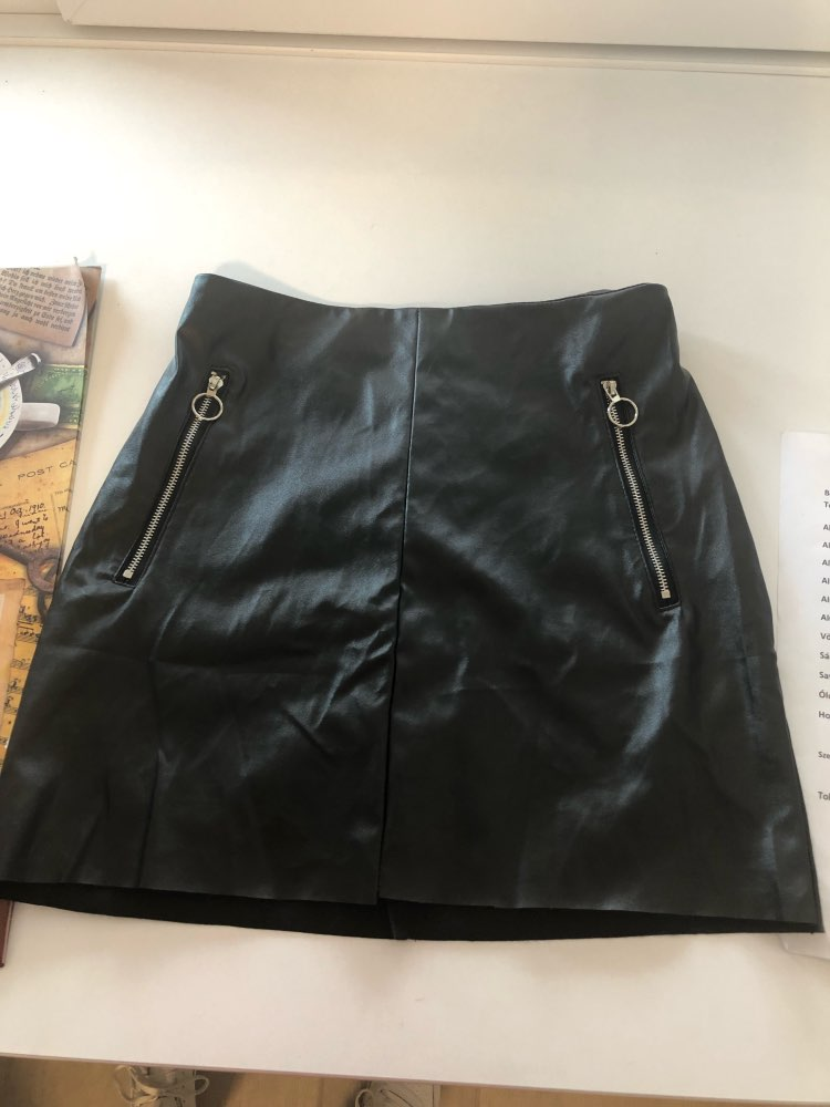 Highstreet Women Sexy Short Skirt Fashion Women'S Clothing Black High Waist O Ring Zip Detail Faux Leather Skirt photo review