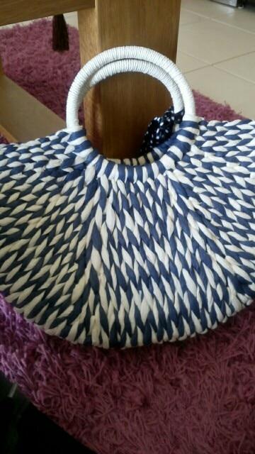 2019 New Women round bucket semicircle straw bag handmade net color woven basket rattan handbag photo review