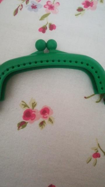 ISKYBOB 1Pc Candy Kleur Hars Portemonnee Tas Arc Frame Kus Sluiting Lock Handtas 8.5cm Hot photo review