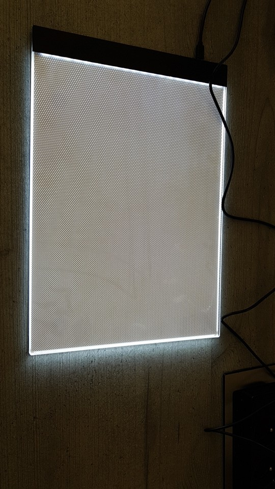 Dimmable Ultra Thin 3.5mm A4 LED Tablet photo review