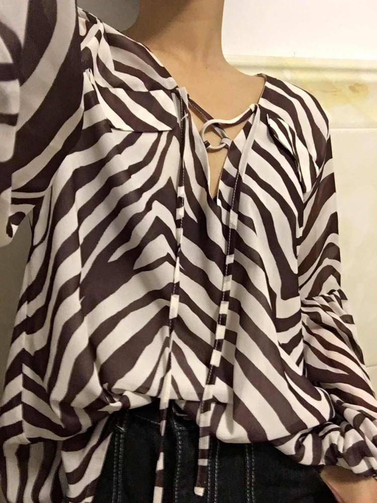 Zebra Stripe Printed Women Blouse Shirt Plus Size Female Top Shirt Elegant V Neck Lace Up Ladies Blusas Shirt Feminina photo review