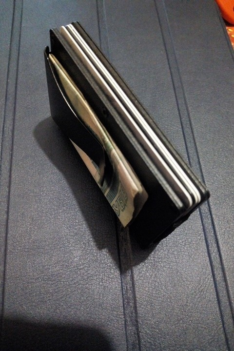 2019 New Hot Men Card Holder Slim Aluminium Credit Card Holder Metal Wallet Anti Scan Function Hold Card Coins Cash photo review