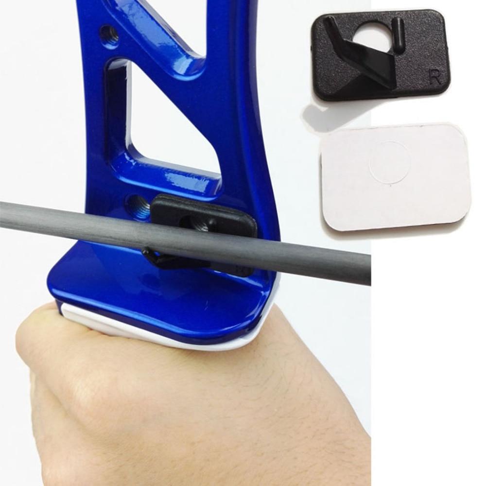 1 ud Tiro con arco Flecha Resto Barra de plástico Recurvado Arco Flecha Resto Mano derecha y mano izquierda Barra de color en blanco y negro en la rampa de arco