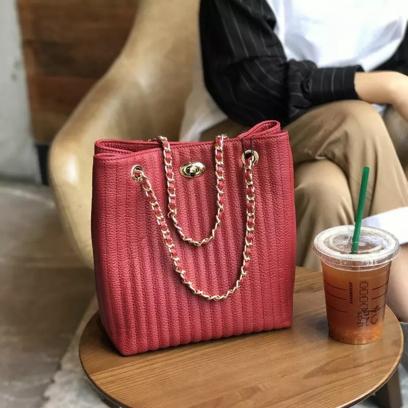 все цены на Hot selling !!! 2018 new fashion high quality women handbag speedy bag chain shoulder bag free shipping онлайн