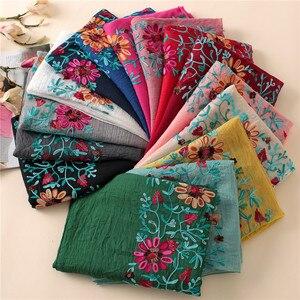 Image 1 - L12 di Alta qualità del fiore del ricamo hijab dello scialle della sciarpa delle donne dello scialle lungo musulmano dellinvolucro della fascia di 180*80cm 10 pz/lotto