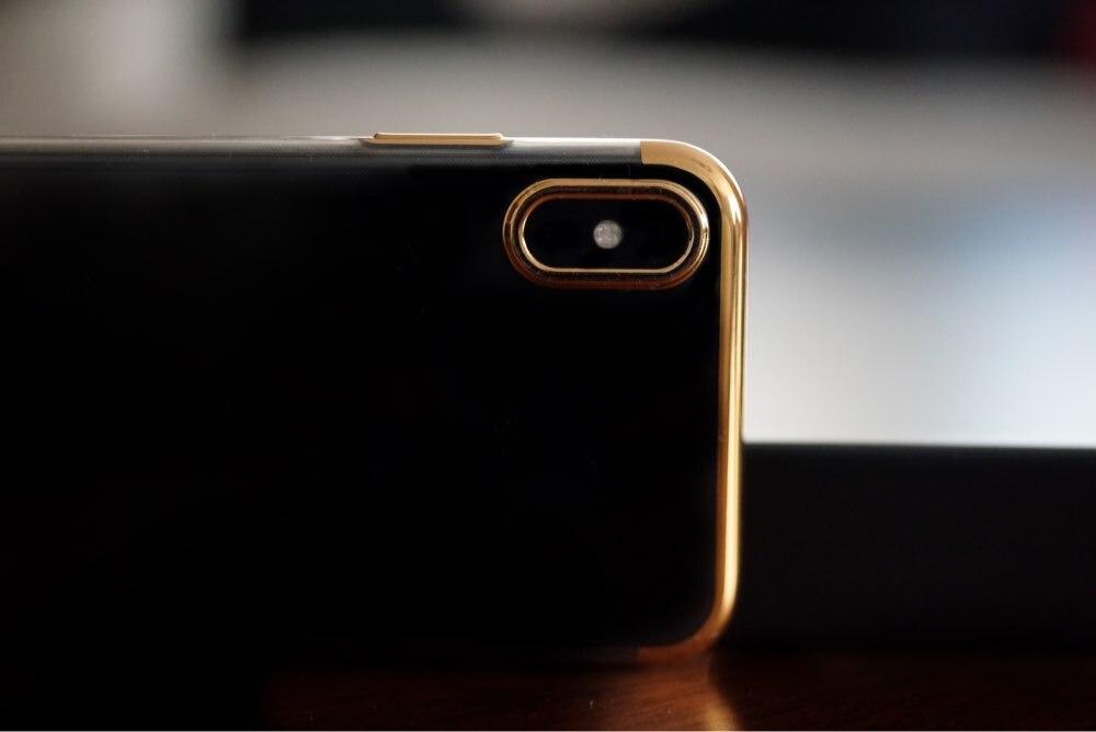 Funda de Lujo con Bordes Metalizados para iPhone photo review