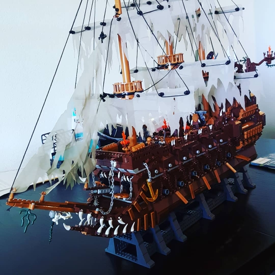 LEPIN 16016 The Flying Dutchman Block Set (3652Pcs) photo review