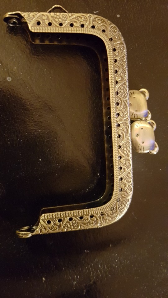 8.5cm Metal Purse Frame Handle for Clutch Bag Handbag Accessories Making Kiss Clasp Lock Antique Bronze Tone Bags Hardware photo review