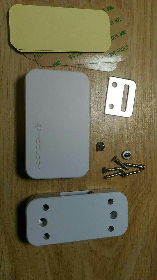 часы; компании Xiaomi; детская безопасность; Xiaomi умный замок;