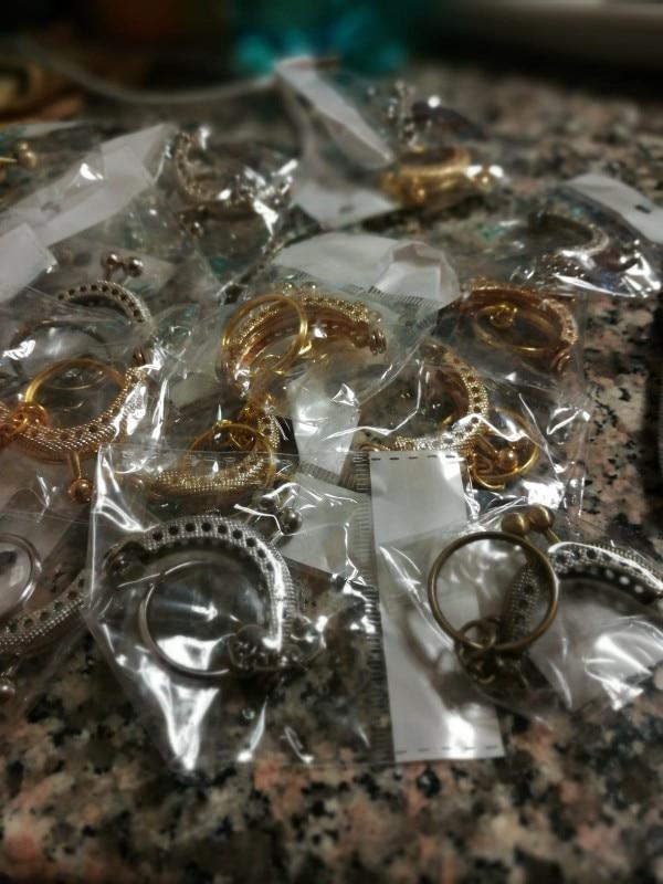 KISSDIY 25pcs 4CM mini Antiek Brons zilver gouden Metalen Portemonnee Frame met sleutelhanger voor tas handvat clutch portemonnee gesp photo review