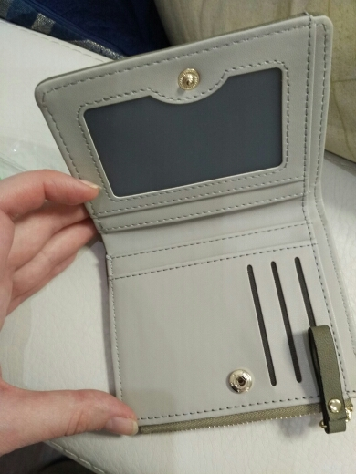 небольшой бумажник женщин; портмоне для женщин; женщины портмоне;