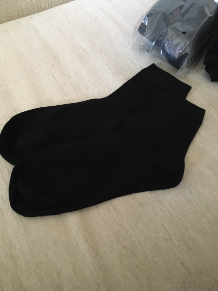 спорт топ; шарф шелк; черное платье женщины ; календарь 2019;