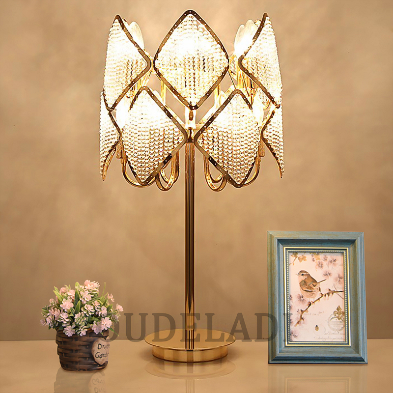 цена на Luxury Crystal Table Lamp Modern Bedside lamp American K9 Luxury Crystal Decoration Lmp Fashion Crystal Table lamps for Bedroom