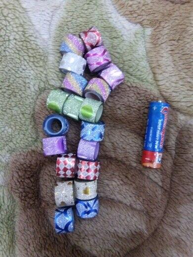цветной карандаш; обруч лента; открытый водонепроницаемый ящик;