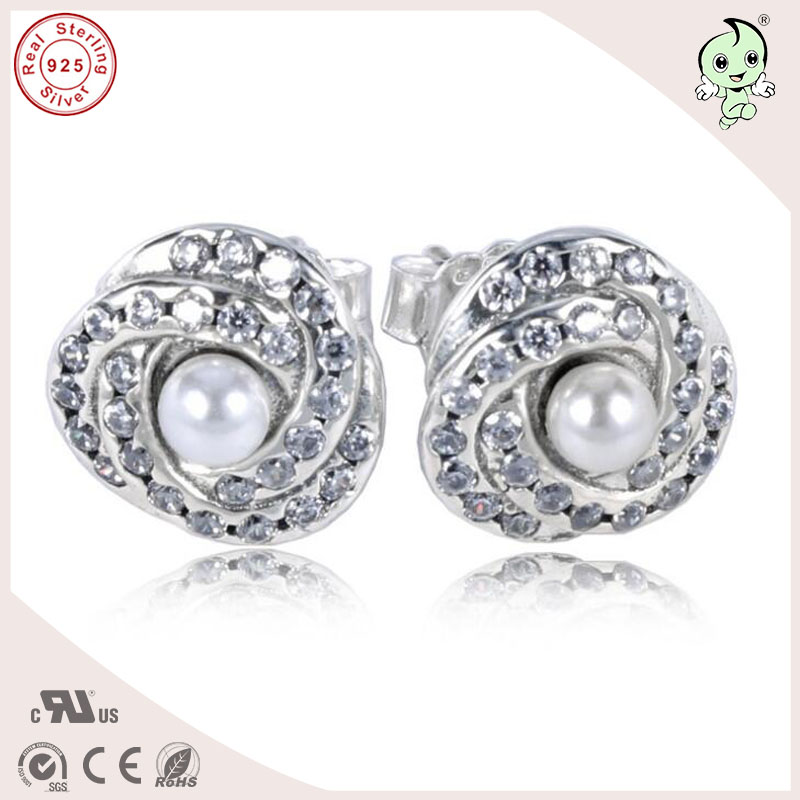 Fancy Popular New Collection CZ Paving Pearl Hold 925 Sterling Silver Heart Stud Earrings