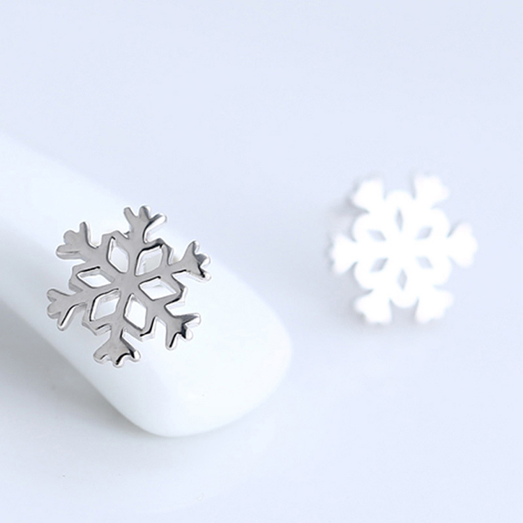 Summer New Women Favourite Silver Color Snowflake Stud Earrings For Classic Christmas New Years Gift