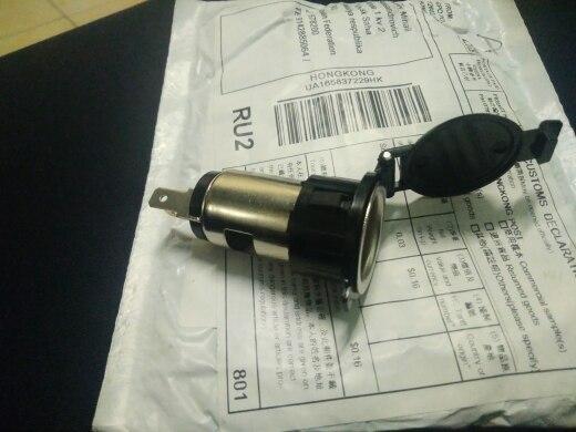миниатюрные игрушки; автомобильное зарядное устройство ; USB-розетка для автомобиля; автомобиль гнездо USB;