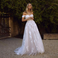 Lace Beach Wedding Dresses 2019 Off the Shoulder Appliques A Line Boho Bride Dress Princess Wedding Gown Robe De Mariee 6