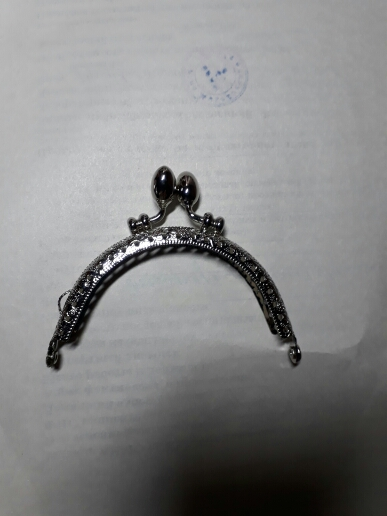 8.5cm Retro Round Metal Purse Frame Handle for Clutch Bag Coin Kiss Clasp Lock Antique Bronze Hardware Bag Accessory photo review