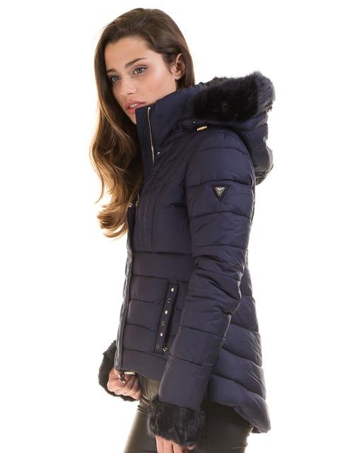 b465837c6845a Guess abrigo negro acolchado DORIS en Chaquetas básicas de La ropa ...