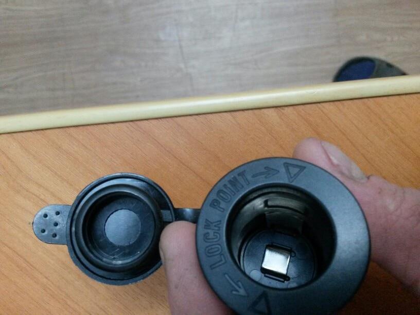 автомобильная розетка; автомобильное USB-розетка; автомобильное USB-розетка; сложить лопата;