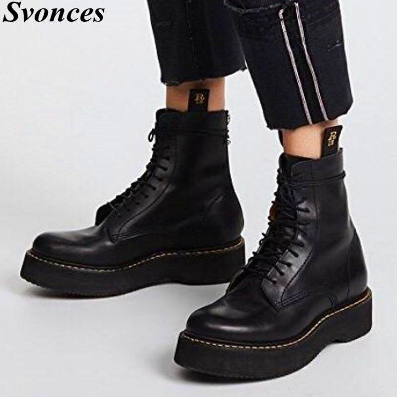 Ayakk.'ten Ayak Bileği Çizmeler'de Sokak Moda Siyah Platformu Çizmeler Kadın Punk Rock Fermuar Tıknaz yarım çizmeler Yüksek Topuk Martin Çizmeler Motosiklet binici çizmeleri'da  Grup 1