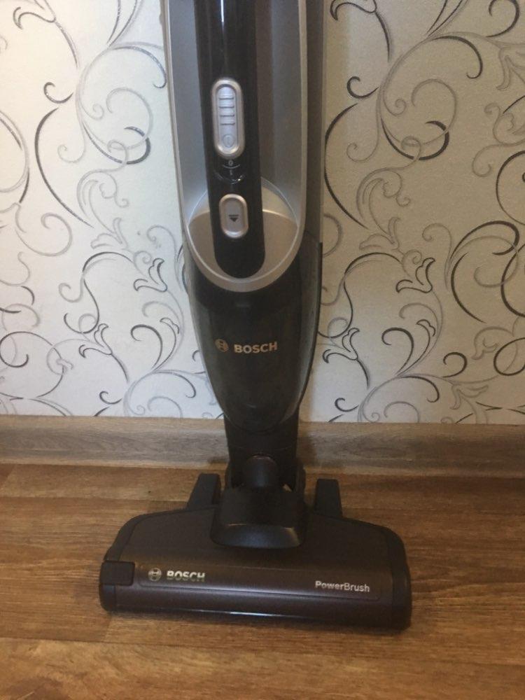 Вертикальный пылесос Bosch BBH216