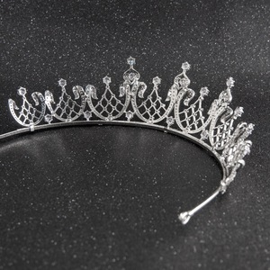 Image 4 - קלאסי גבישי CZ מעוקב Zirconia חתונת כלה מלכותי נזר נזר כתר נשים לנשף שיער תכשיטי אביזרי CH10252