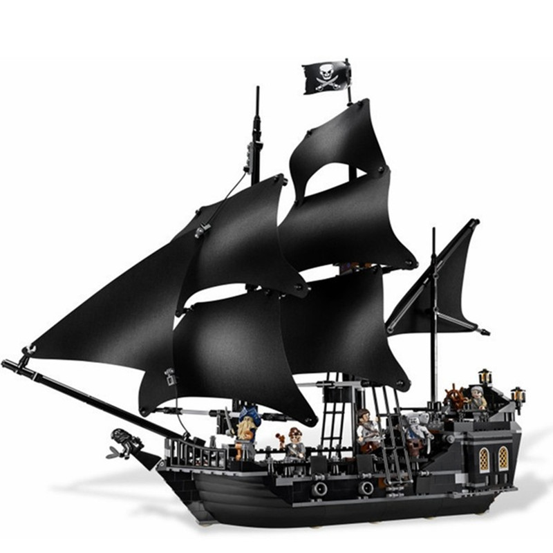 804Pcs Black Pearl Ship Bricks Sale Pirates of the Caribbean Building Blocks Toys For Children Compatible With LegoINGly City lepin 16006 804pcs pirates of the caribbean black pearl building blocks bricks set the figures compatible with lifee toys gift
