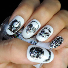 1PC Color Random Punk Style Zombie Design Nail Foil Stickers Glue Transfer King Skull Head Cute Nail Design Halloween Decoration