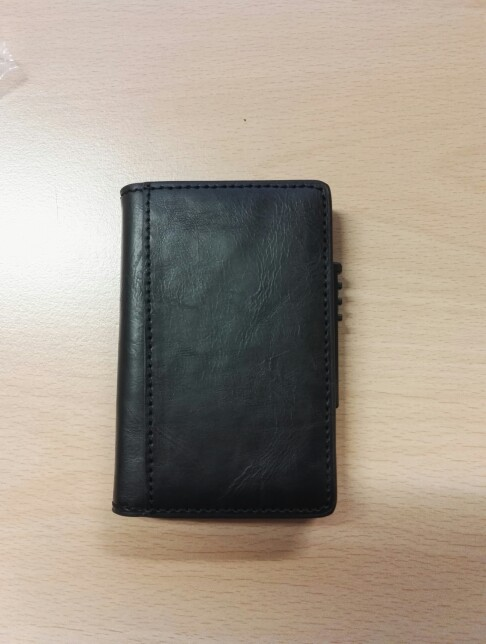 Men Aluminum Wallet With Back Pocket ID Card Holder Blocking Mini Slim leather Wallet Automatic male up Credit Card Coin Purse photo review