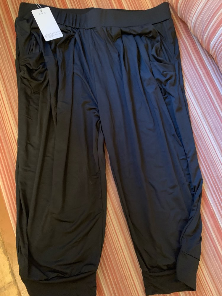 Large Size 5Xl 6Xl 7Xl 8Xl Calf Length Pants Summer Breeches Women Soft Silk Stretch Pants Plus Size Harem Trousers Capri Female photo review
