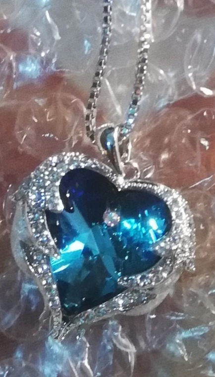 Exquisite Swarovski Angel Heart 925 Sterling Silver Necklace photo review