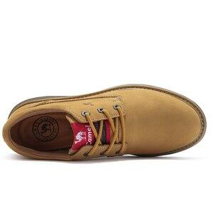 Image 2 - 캐멀 새로운 패션 남자 공구 신발 남자의 정품 가죽 신발 남자 야외 캐주얼 야생 편안한 남자 신발